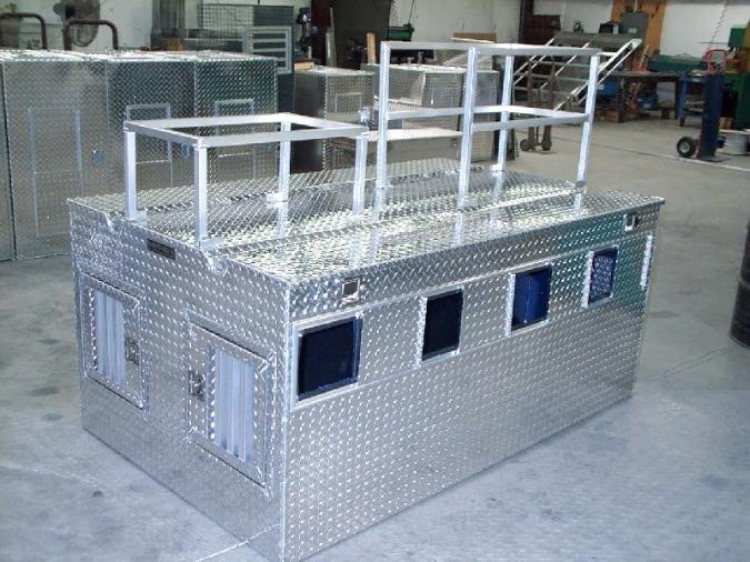 Diamond Deluxe Aluminum Dog Boxes