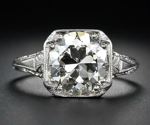 Front view of 3.26 carat antique diamond engagement ring. Late Edwardian or early Art Deco. Via Diamonds in the Library.