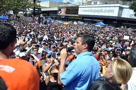 Leopoldo López indicó que es fundamental dar inicio a un ciclo de actividades y debates en todo el país para construir la fuerza popular NEWS FLASH / JC