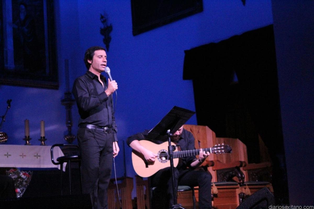 Juan Santamaría cantó en fado poemas de Santa Teresa de Jesús en la Iglesia de la Encarnación de Almuñécar