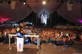 DJ MARCOS CORTES CON MUSICA AÑOS 80 EN FIESTAS