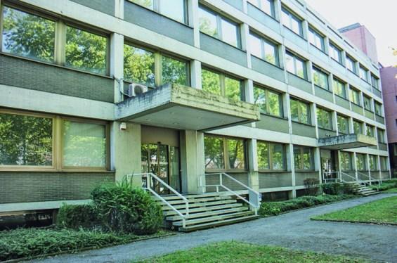 Derfflingerstraße 2