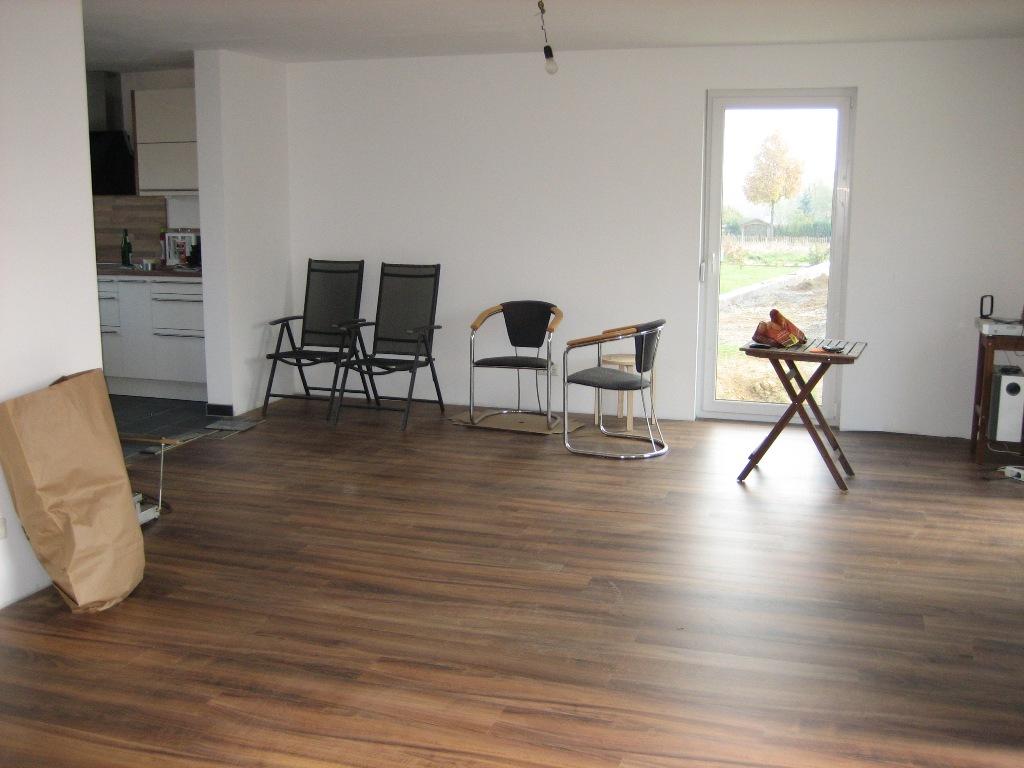 Fußboden Offene Küche ~ Offene küche wohnzimmer bodenbelag moderne offene küche meets
