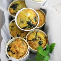 Quinoa Quiche Muffins with Spinach and Cheese {Giveaway}