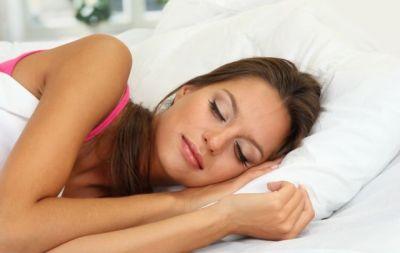 """超簡単ダイエット""""寝るだけ""""?!睡眠中に痩せ体質にする8つの方法!"""