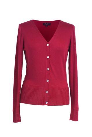 Een vestje in een kleur die goed combineert bij de andere kleuren in je kast.