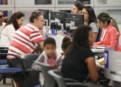 Caixa atende mais de 356 mil no 1º sábado de plantão para tirar dúvidas do FGTS