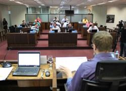 Câmara de Bento vota fim da segunda sessão na segunda