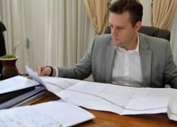 Abertura de licitações para duas obras é aprovada pelo prefeito de Bento