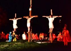 19ª Encenação e Paixão de Cristo supera 6 mil pessoas no Vale dos Vinhedos