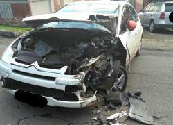 Casal fica levemente ferido após acidente na ERS-444 nos Eucaliptos em Bento