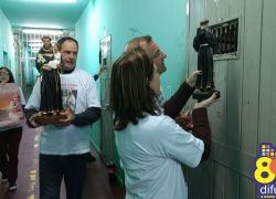 Festeiros de Santo Antônio visitam o Presídio Estadual com a imagem do padroeiro de Bento