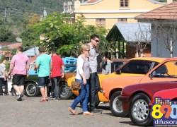 XII Encontro de Carros Antigos reúne apaixonados por veículos em Santa Tereza