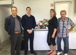 Ascon Vinhedos entrega alimentos arrecadados em palestra em Bento