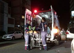 Motociclistas ficam feridos em acidentes em Bento