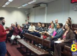 Diretores e professores participam de reunião sobre o projeto Vereador Mirim na Câmara de Bento