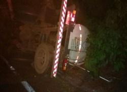Caminhoneiro morre em acidente de trânsito na Serra de Muçum