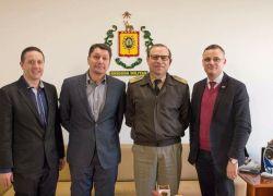 Representantes de Bento Gonçalves visitam Comando da BM