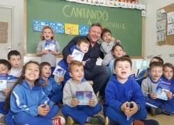 Hinos de 22 escolas municipais serão lançados por Rodrigo Soltton