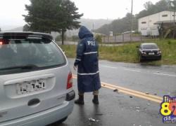 Acidente com danos materiais deixa trânsito lento na BR-470 em Bento