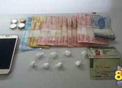 Dupla é detida com drogas no bairro Maria Goretti em Bento