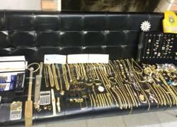 Policiais do CRBM apreendem joias sem nota fiscal na Rota do Sol