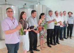 Inaugurada a primeira agroindústria familiar de vinho colonial em Bento