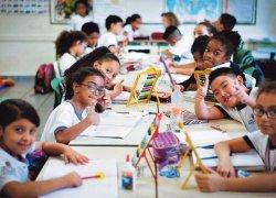 Estudantes imigrantes aumentam 112% em oito anos nas escolas brasileiras
