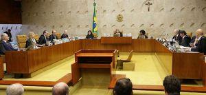 Brasília - Sessão do Supremo Tribunal Federal (STF) para julgar o habeas corpus no qual a defesa do ex-presidente Lula tenta impedir eventual prisão após o fim dos recursos na segunda instância da Justiça Federal (Antonio Cruz/Agência Brasil)