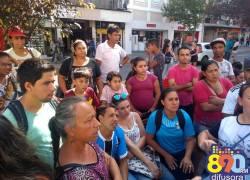 Moradores do Vila Nova protestam contra ordem judicial em Bento
