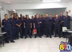 Bombeiros recebem curso de combate a incêndio ofensivo em Bento