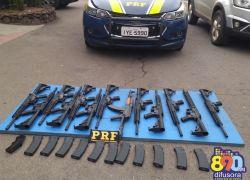 PRF apreende fuzis em veículo paraguaio na BR-470 em Bento Gonçalves