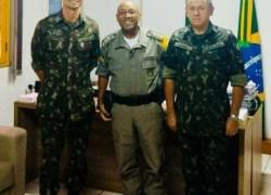 3º BRBM recebe a visita do comandante do 6º BCOM