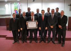 Lênio Zanesco recebe título de cidadão bento-gonçalvense na Câmara
