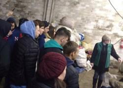 Meio Ambiente palestra sobre destinação de resíduos para alunos em Bento