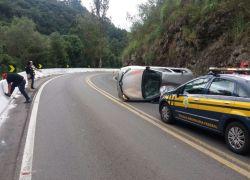 Ultrapassagem proibida causa acidente na BR 116 em Caxias do Sul
