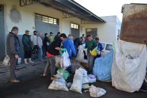 Embalagens de agrotóxicos - Priscila Pilletti (9)
