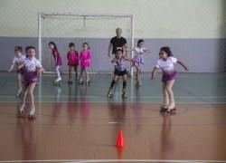Centro de Patinação tem 120 alunos em Bento
