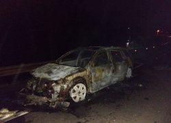 Fogo destrói veículo na ERS-431 na comunidade de Faria Lemos em Bento