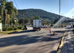 Trecho na estrada do Barracão é bloqueado nesta sexta em Bento