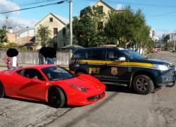 PRF aborda Ferrari irregular em Veranópolis