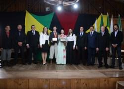 Sessão solene presta homenagem para jovens tradicionalistas em Cotiporã