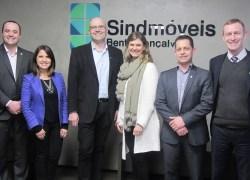 Sindmóveis e Sicredi formalizam convênio em benefício a empresas moveleiras