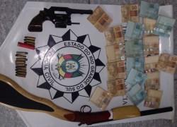 Preso em flagrante suspeito de posse de arma de fogo em Portão