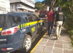 PRF prende homem por porte ilegal de arma em Veranópolis