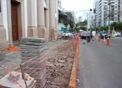 Calçada junto a Paróquia Santo Antônio em Bento passa por revitalização