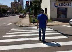 Semáforo para pedestres é instalado na Olavo Bilac em Bento