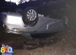 Capotamento no Caminhos de Pedra deixa motorista ferido em Bento