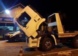 PRF apreende caminhão prancha clonado em Bento Gonçalves
