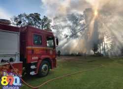 Bombeiros de Bento combatem incêndio em depósito de empresa na BR-470